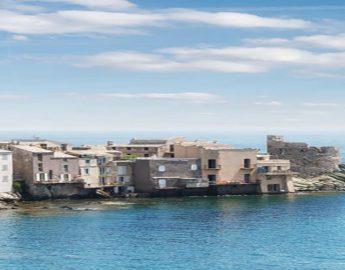 Ferry overtocht naar Bastia